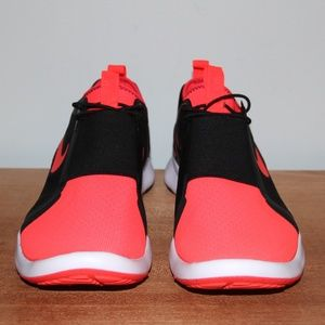 Nike Shoes - NEW Nike Air Current Slip On Shoes Men's 9.5